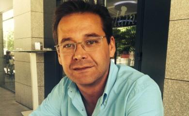 """Antonio Granados: """"la política es pura vocación y los horarios no existen"""""""
